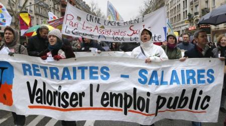 Paris: manifestação de servidores públicos em em 31 de Janeiro de 2013. (PIERRE VERDY / AFP)